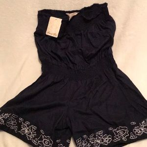Navy blue romper 🌷